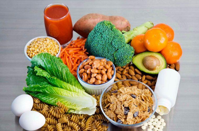 Οι 5 απαραίτητες βιταμίνες και μέταλλα για υγιή και δυνατά μαλλιά